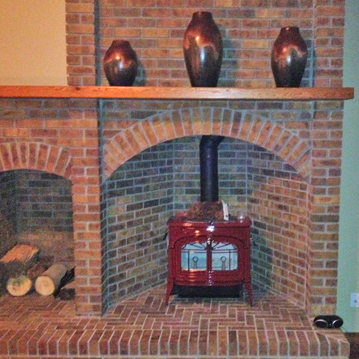 Red enamel heating stove - Timnath CO